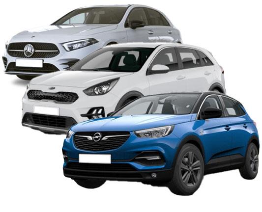 Tres coches disponibles para renting, un Opel Mokka, un Mercedes clase A y un Kia Niro.